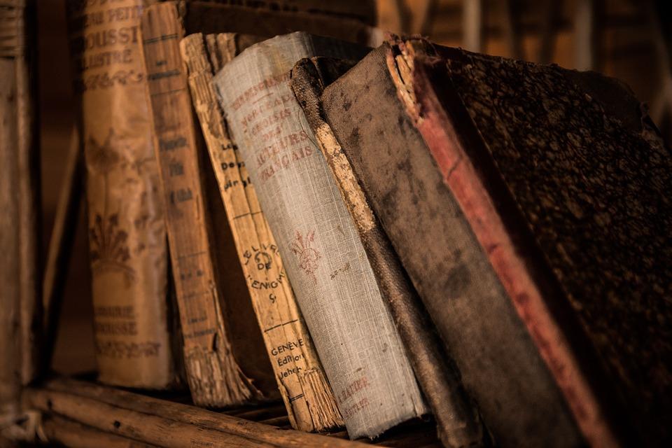 """Layoutbild Archiv, """"Alte Bücher"""""""